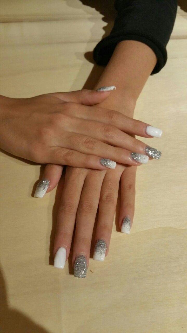 Unghie Gel Inverno Bianco E Glitter Argento Unghie Nails E