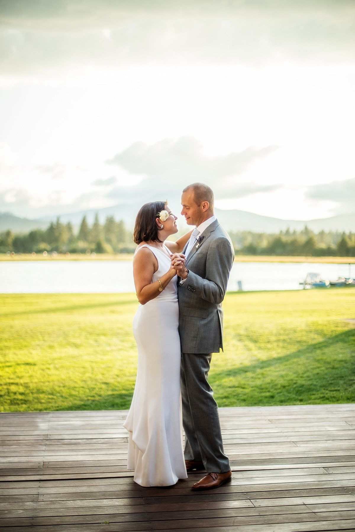 Elegant lakeside wedding at black butte ranch with images
