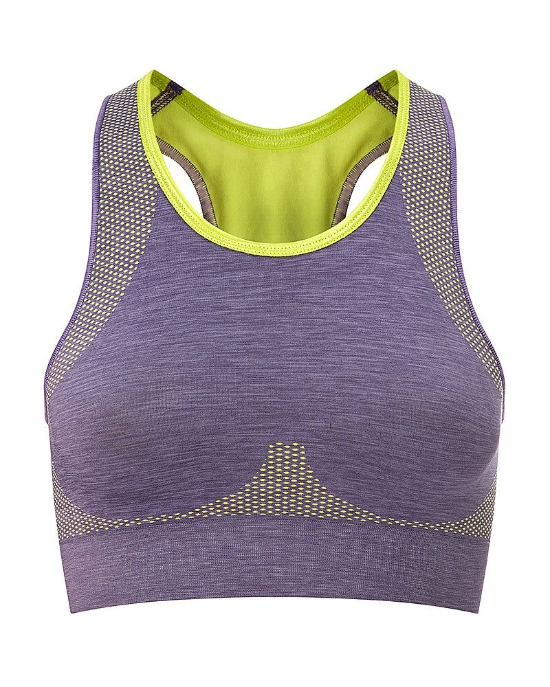 An essential compression bra for your gym bag, this multi-sport style provides medium-impact support up to a C cup