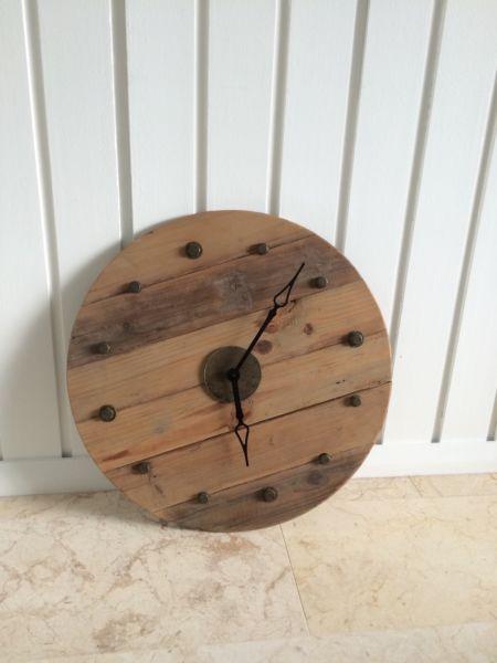 Wooden Clock Rustic Vintage Home Decor | Clocks | Gumtree Australia ...