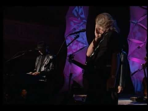 Bee Gees Live by Request Part 16-22 - Woman In Love - YouTube