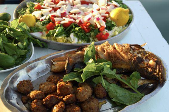 Turkkilainen ruoka kietoo vaivattomasti pikkusormensa ympärille. Se koostuu kolmesta tärkeästä aineksesta: puhtaista ja tuoreista raaka-aineista, juuri sopivasta mausteisuudesta ja kokin rakkaudesta. #finnmatkat #ruoka #turkki