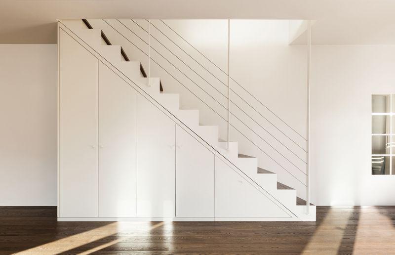Witte design trap inga interior in trap