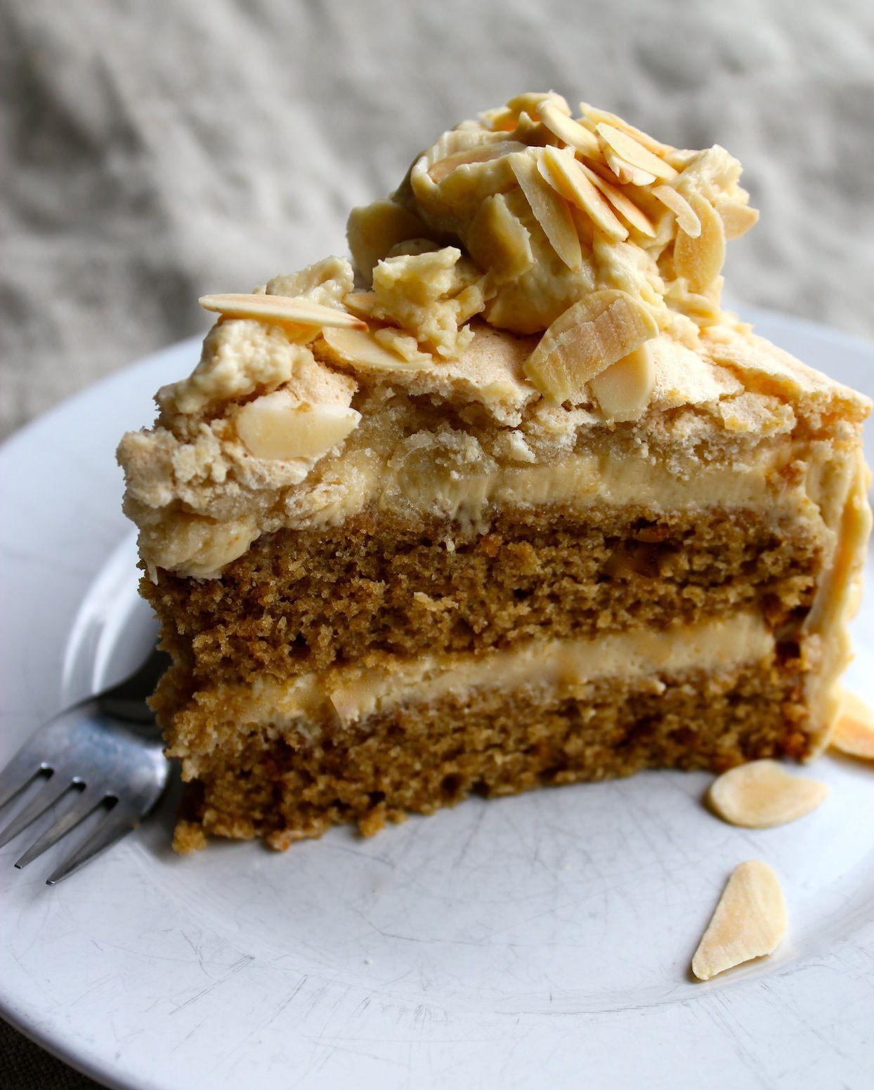 coffee & almond macaron cake Macaron cake, Yummy cakes
