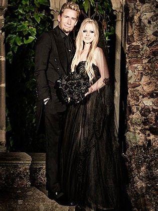 foto 6 de 8 el vestido de novia en negro de avril lavigne es una