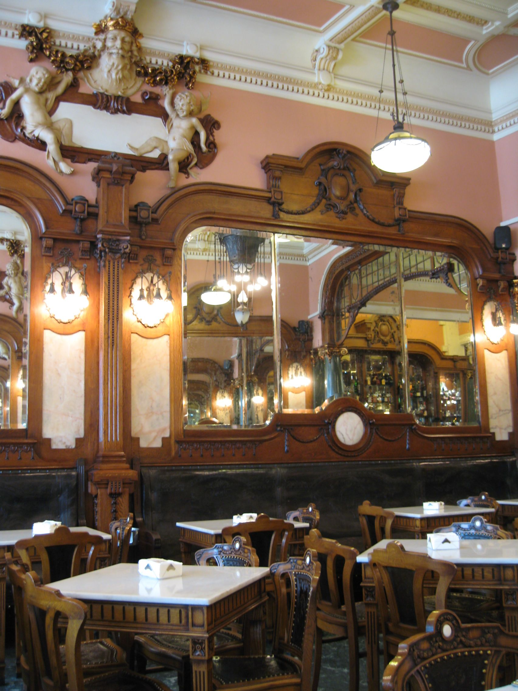Caf Majestic  Porto