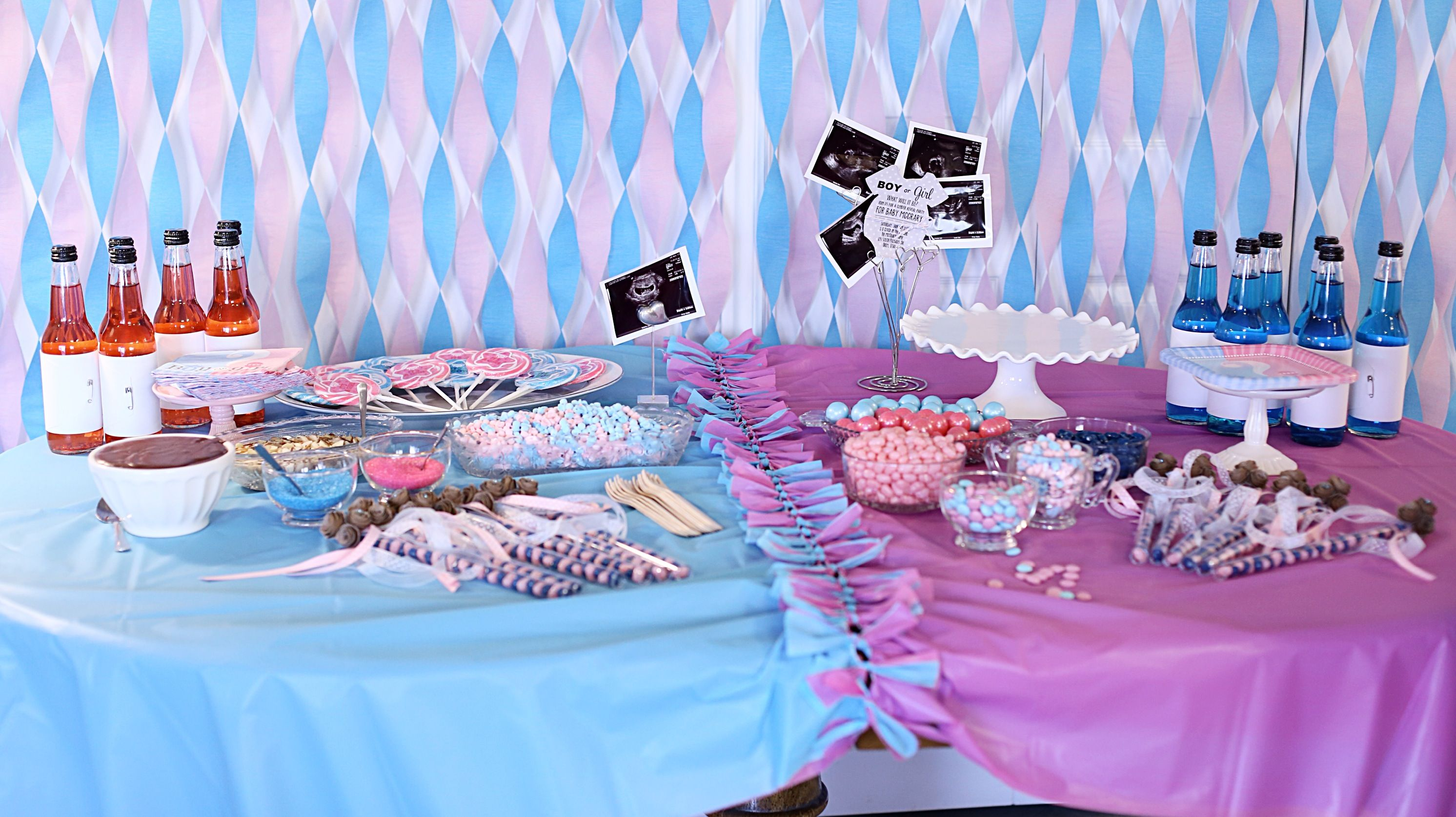 Table Decorations and treats for a Gender Reveal Party Team Pink or