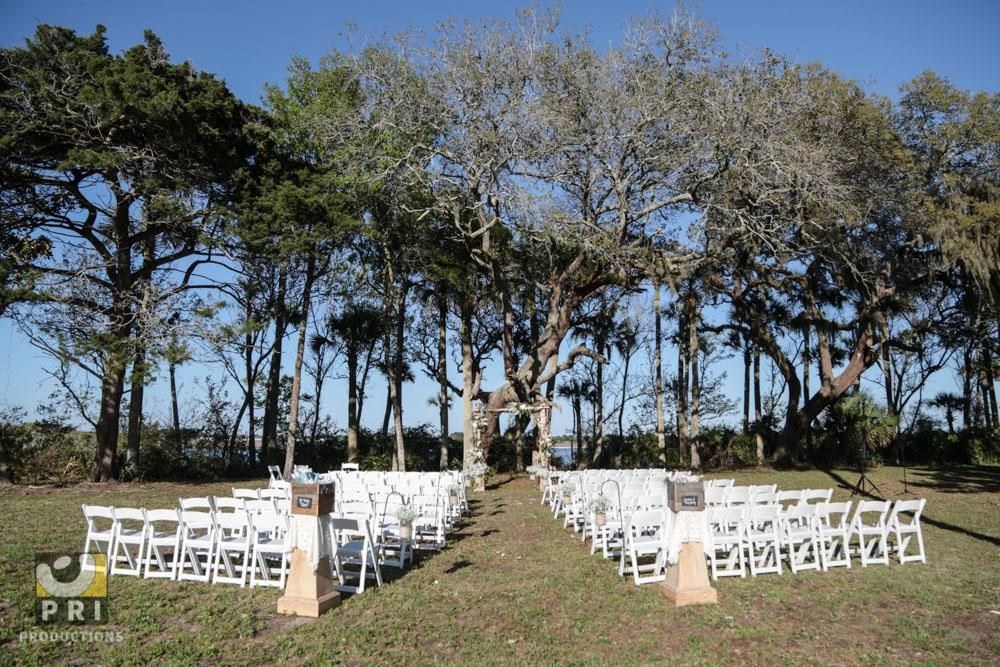 Rustic wedding at the Ribault Inn Club in Jacksonville, FL ...