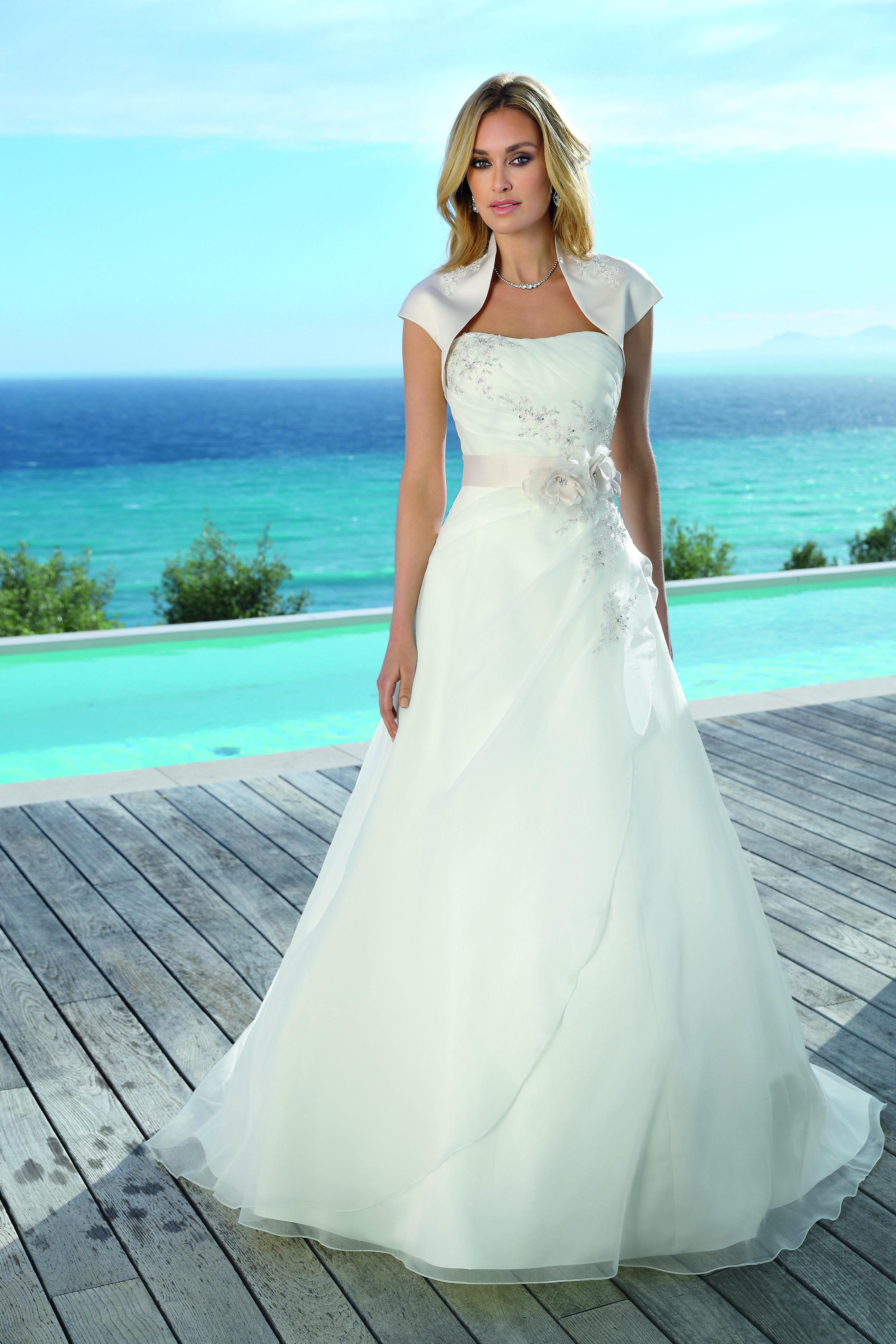 Ladybird 318044 Art 28075 Valkengoed Wedding Fashion Amersfoort ...