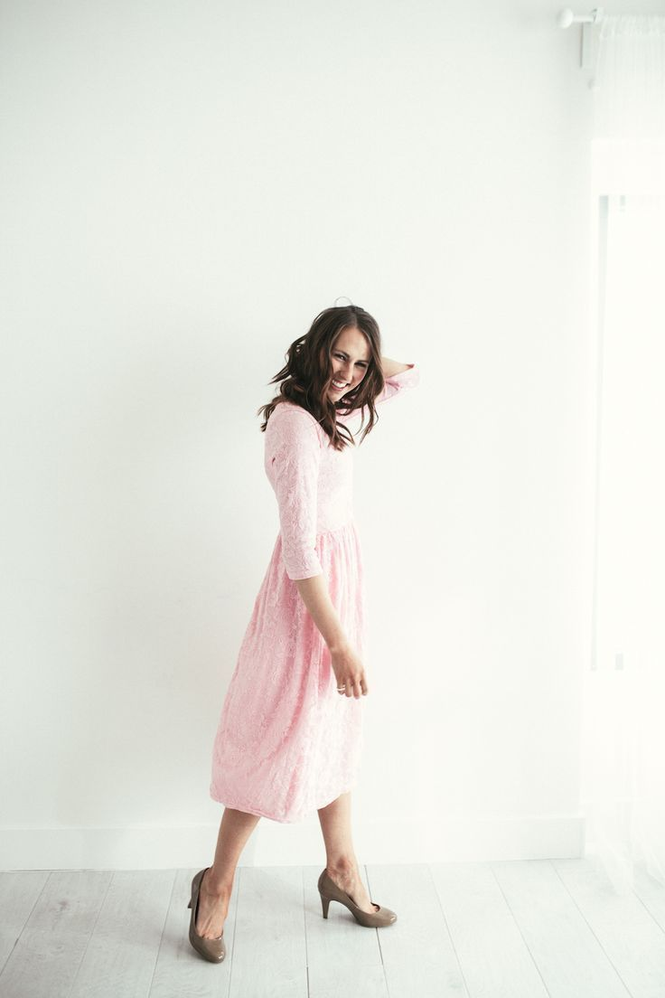 The perfect pink midi dress for spring! Love the lace details and the length