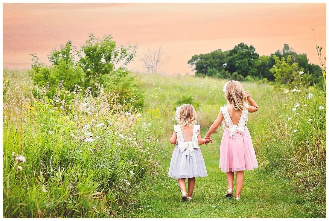 Outdoor sisters portrait session, sisters photo session by KP Photography, sisters, sister photos, sister portraits, sister photography, sister photo poses, sister pictures, fonferek glen sisters session, little girls, little girl poses