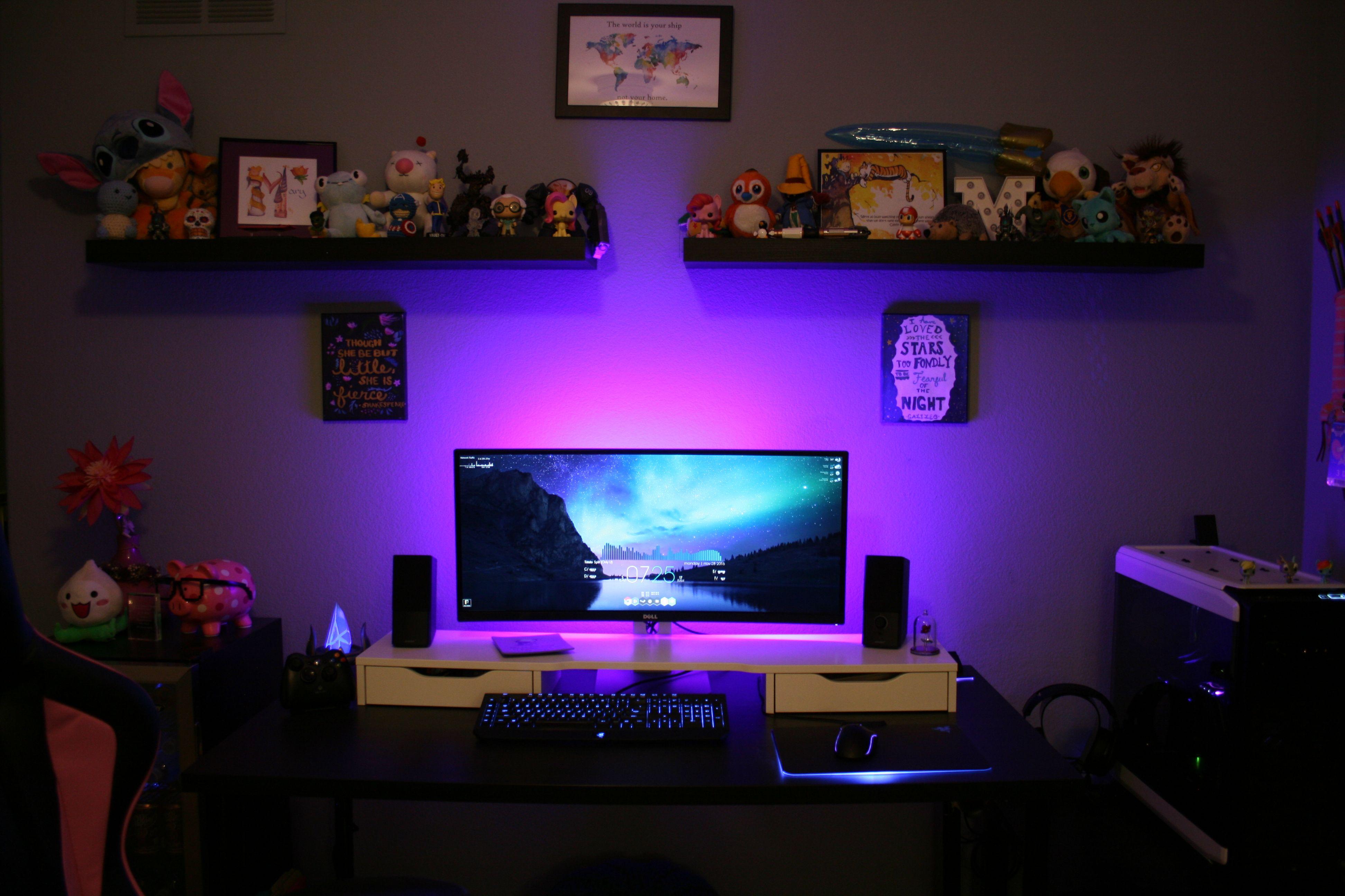 My super girly gaming battlestation: The Blingtron 9001 | gaming setup | Escritorios, Escritorio ...
