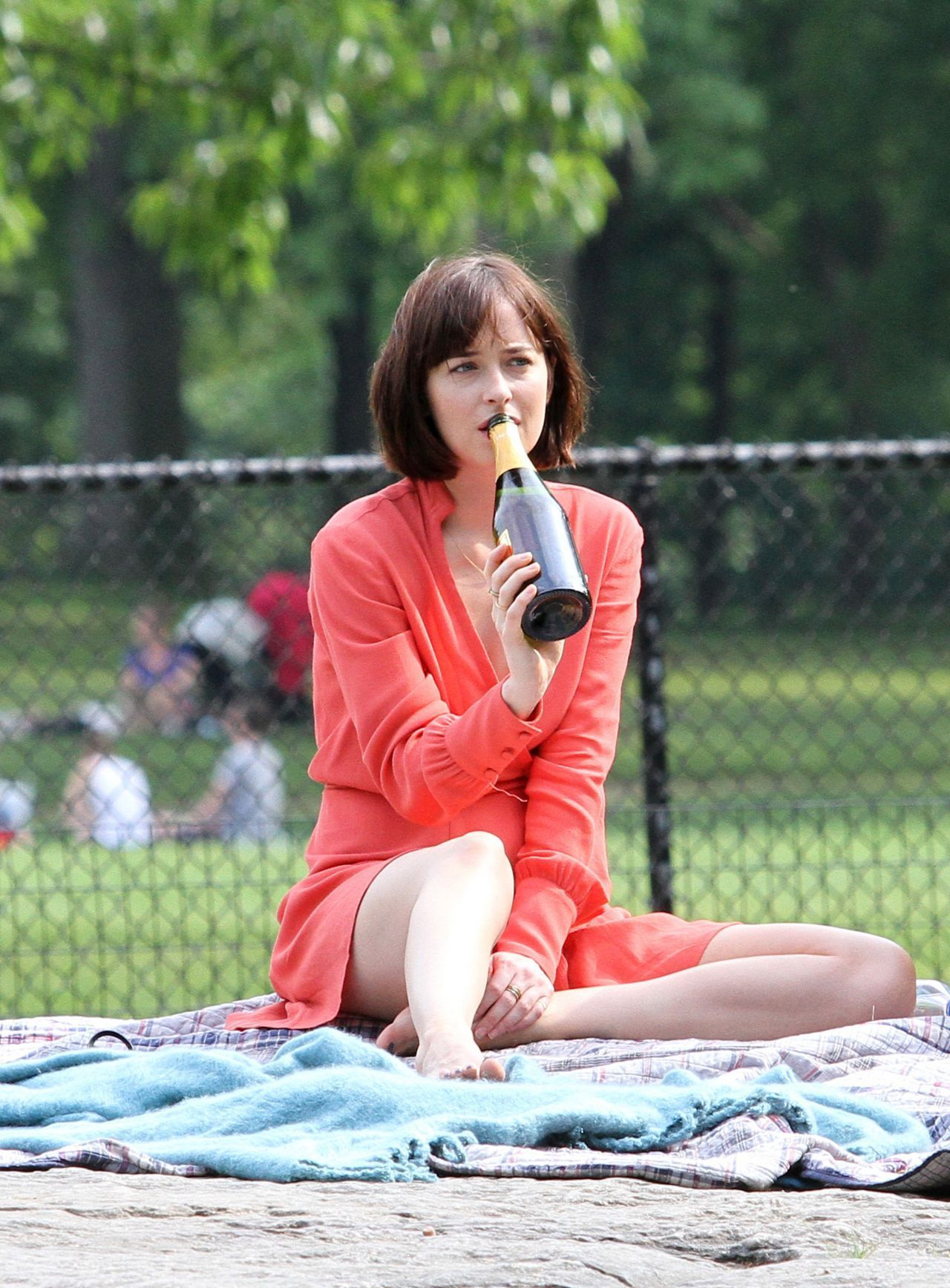 Dakota johnson at how to be single movie set in nyc dakota dakota johnson at how to be single movie set in nyc ccuart Images