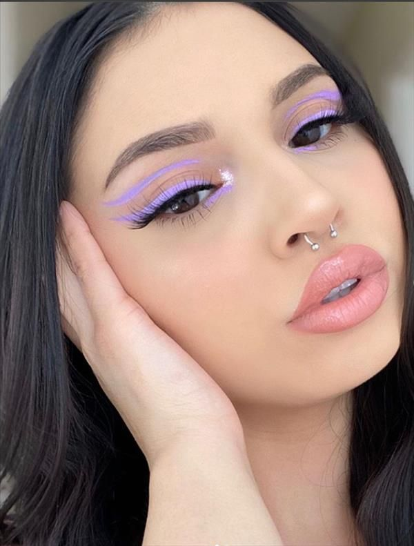 Creative Colored Eye Liner Makeup Looks By Eye shadow Palette – Latest Fashion Trends For Woman