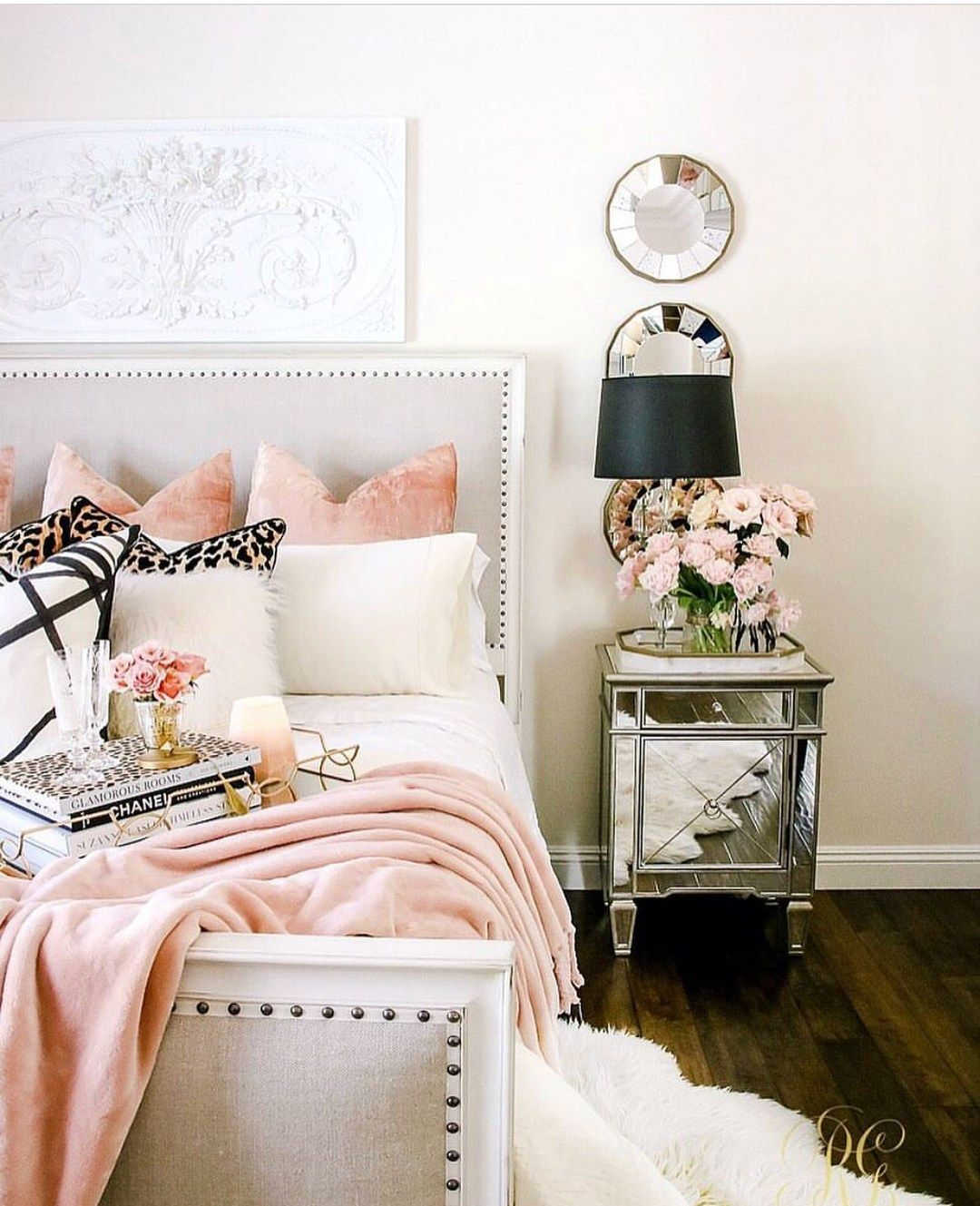 20 Cozy Bedroom Which Makes You Don T Want To Leave Your Bedroom Home Decor Bedroom Pink Bedroom Design Fall Bedroom