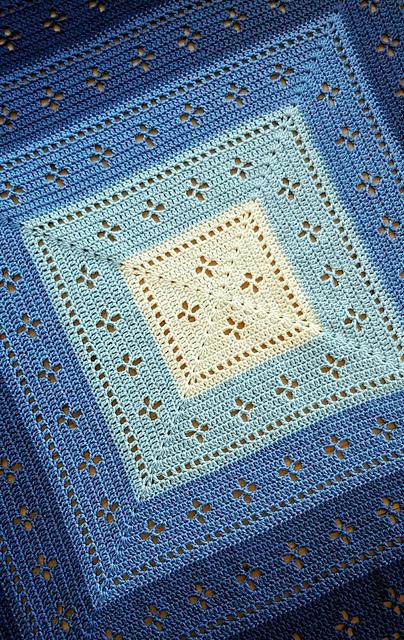 Vintage Vibes Blanket pattern by The Crochet Fix #vestidosparabebédeganchillo