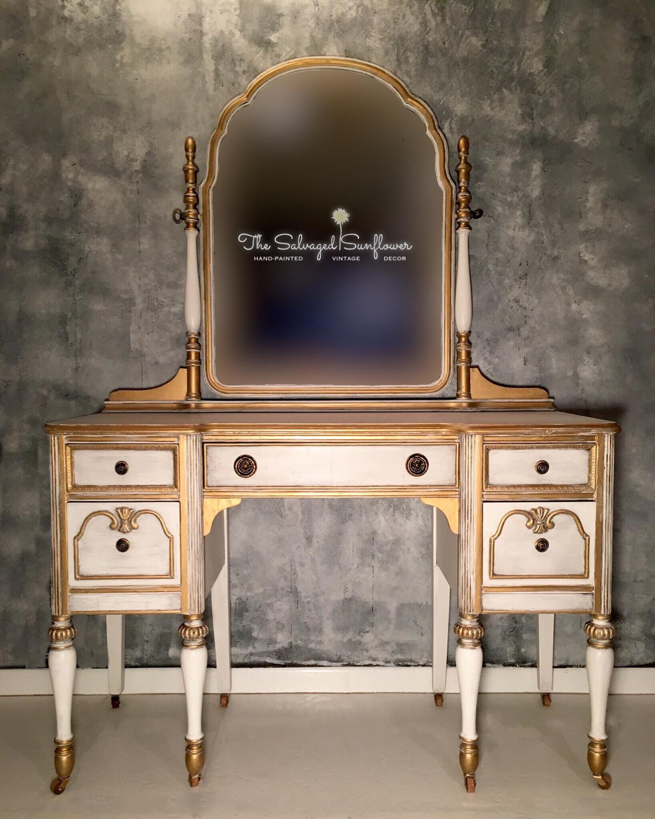 Vintage Old World Elegant Vanity Thesalvagedsunflower Elegant Vanity Vanity Mirror Vanity