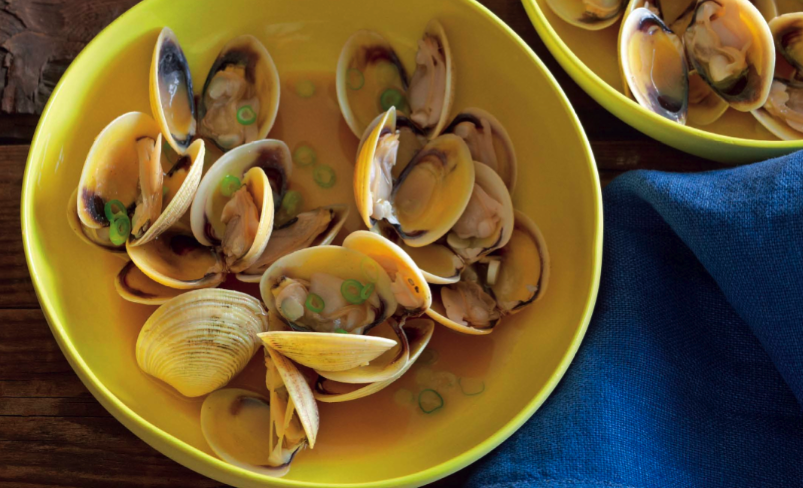 Sake Steamed Clams With Soy Butter Recipe Food Republic Recipe Soy Butter Recipe Clam Recipes Soy Butter