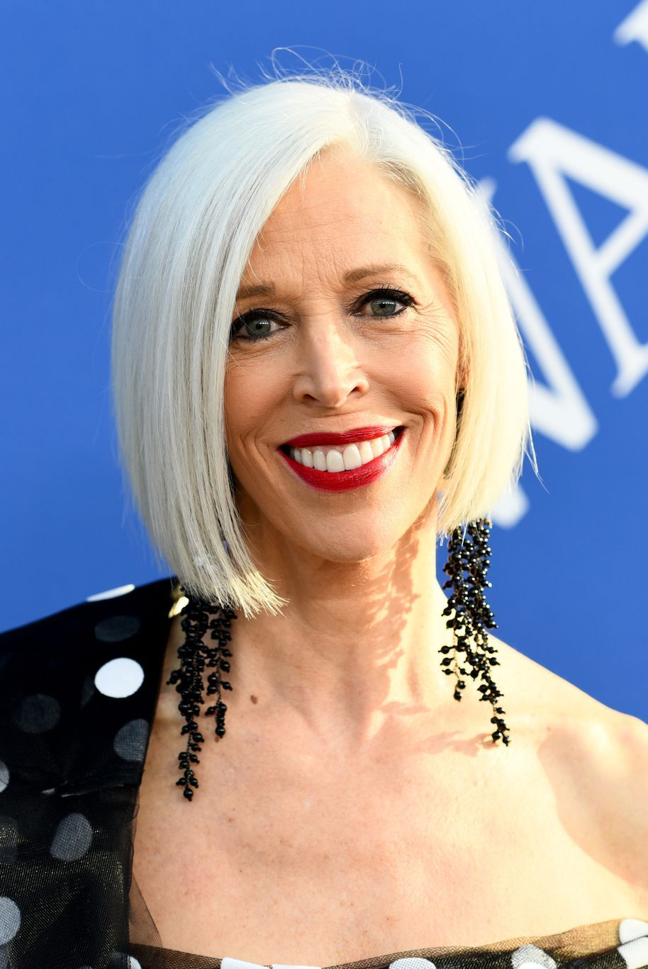 30 Celebrities Who Ve Made Going Gray Look So Chic Grey Hair Color Hair Styles Hair Trends