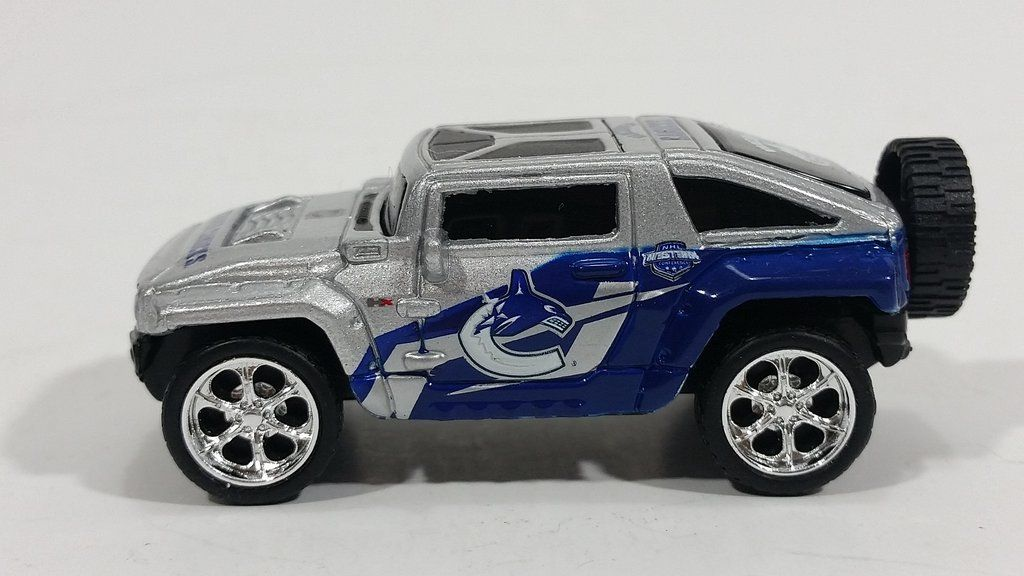 2010 Maisto Top Dog Collectible Vancouver Canucks Nhl Hockey Hummer
