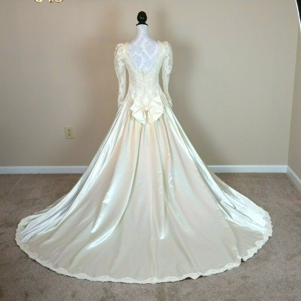 Vintage Ilgwu Womens Satin Wedding Dress Lace Sequins Size 6 Small Ballgown Beaded Wedding Gowns Wedding Dress Sizes Ivory Bridal Gown [ 1000 x 1000 Pixel ]