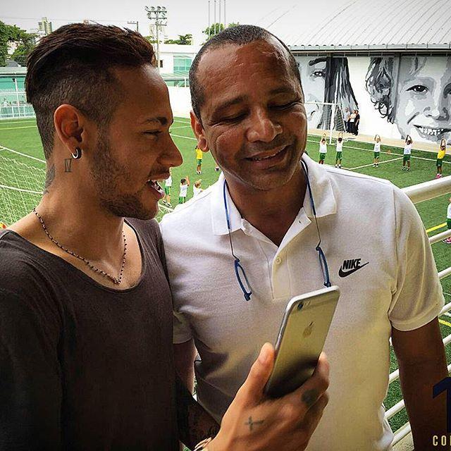 N N Consultoria On Instagram Pelo Jeito A Foto Ficou Boa Ne Lembranca Da Visita Mais Recente De Neymarjr Ao Institutoneymarjr N Neymar Jr Neymar Photo