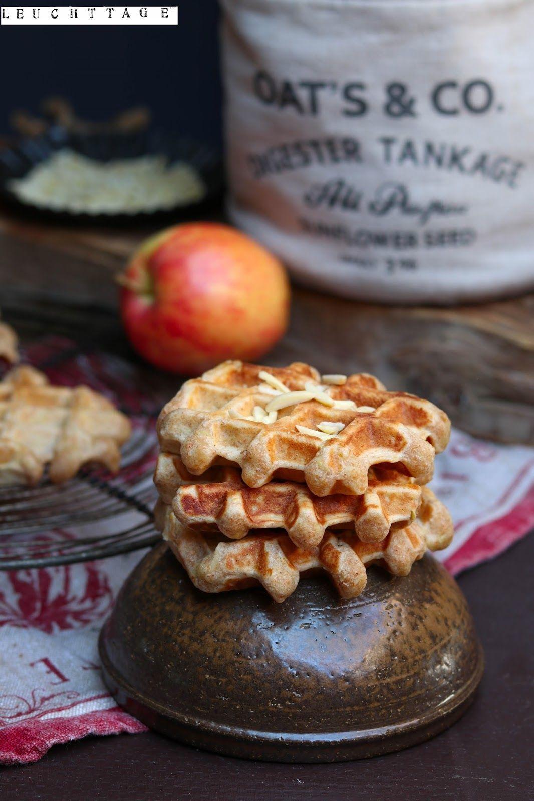 herrlicher Leuchttag- mit Apfel-Mandel-Waffeln !