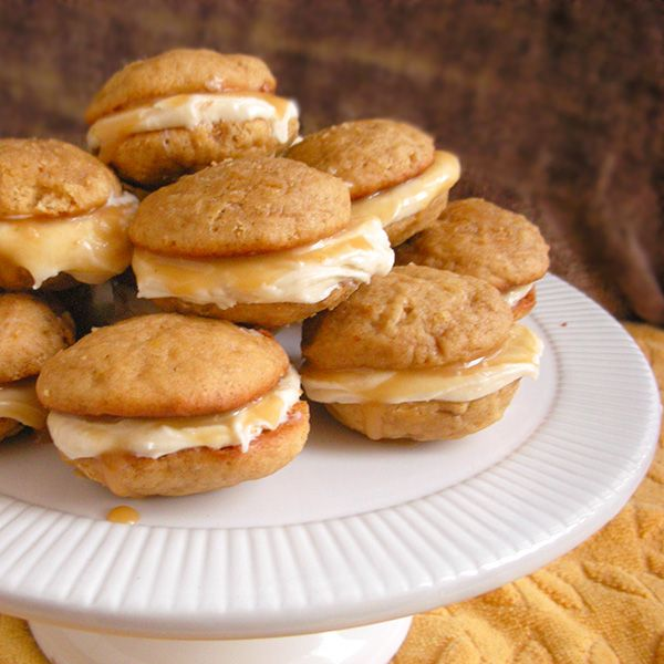 Caramel Banana Whoopie Pies | Recipe | Salted caramels, Whoopie pies ...