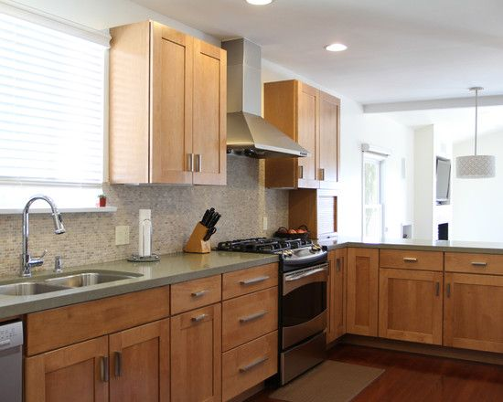 Maple Shaker Cabinets Design Pictures Remodel Decor And Ideas Page 2 With Images Kitchen Design Maple Kitchen Maple Kitchen Cabinets