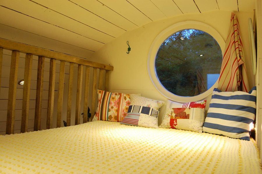 love this loft with the keyhole window