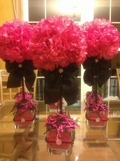 Pin By Janete Reiff Henriques On Wreaths Birthday Party Centerpieces 50th Birthday Centerpieces Party Centerpieces
