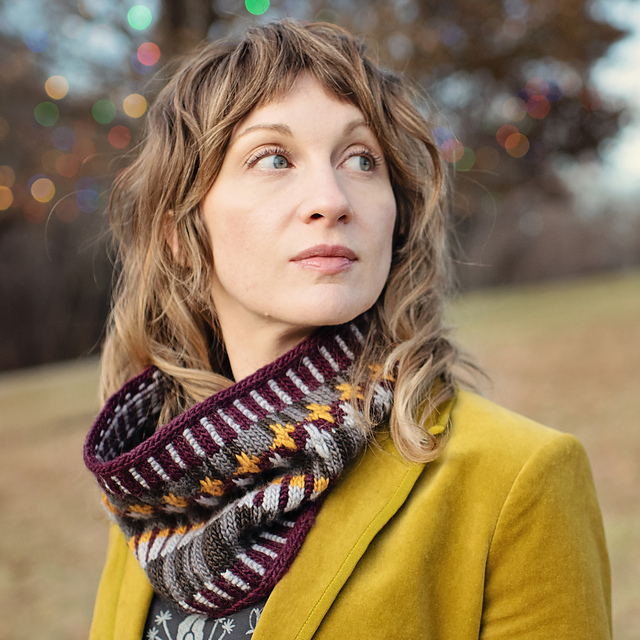 Wallflower Cowl Pattern By Carina Spencer