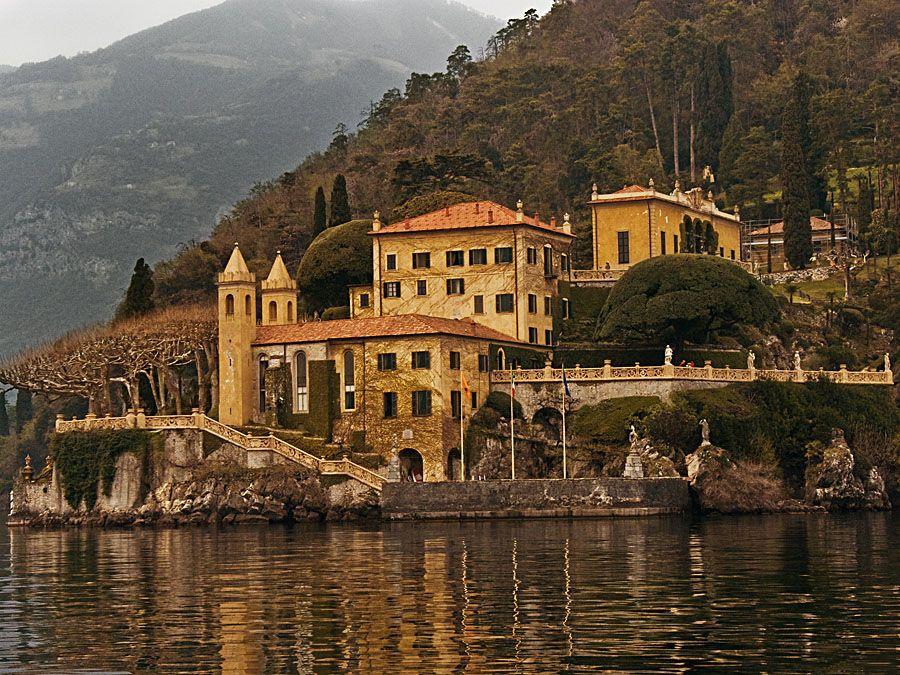 villa de BalbianelloLake Comoit is truly amazing