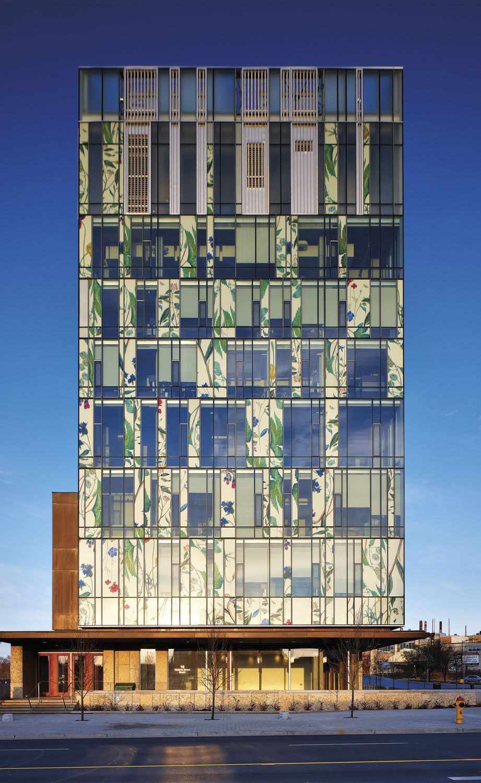 UNIVERSITY OF WATERLOO PHARMACY BUILDING Entro
