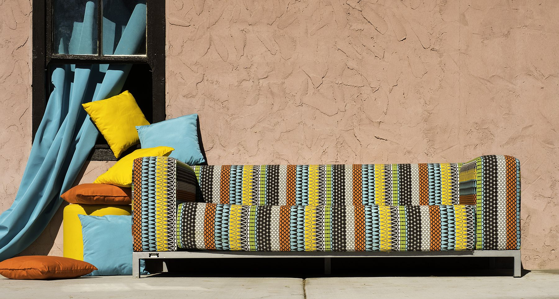 Integrate coral into your #outdoor furniture with ...