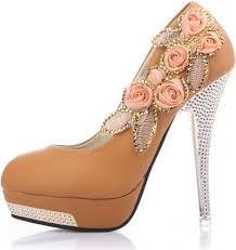 Resultado de imagem para sapatos de salto alto mais lindos do mundo