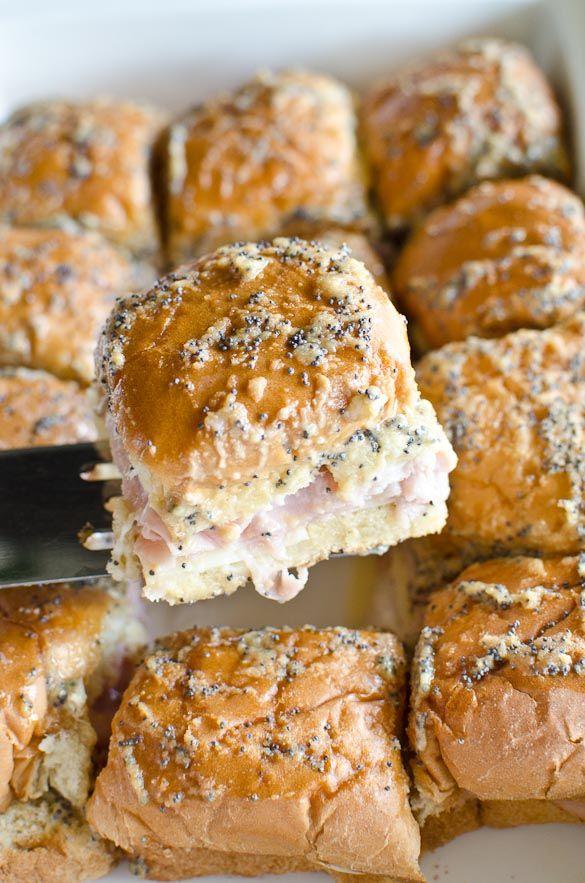 Baked Hawaiian Roll Ham and Cheese Sliders #breakfastslidershawaiianrolls