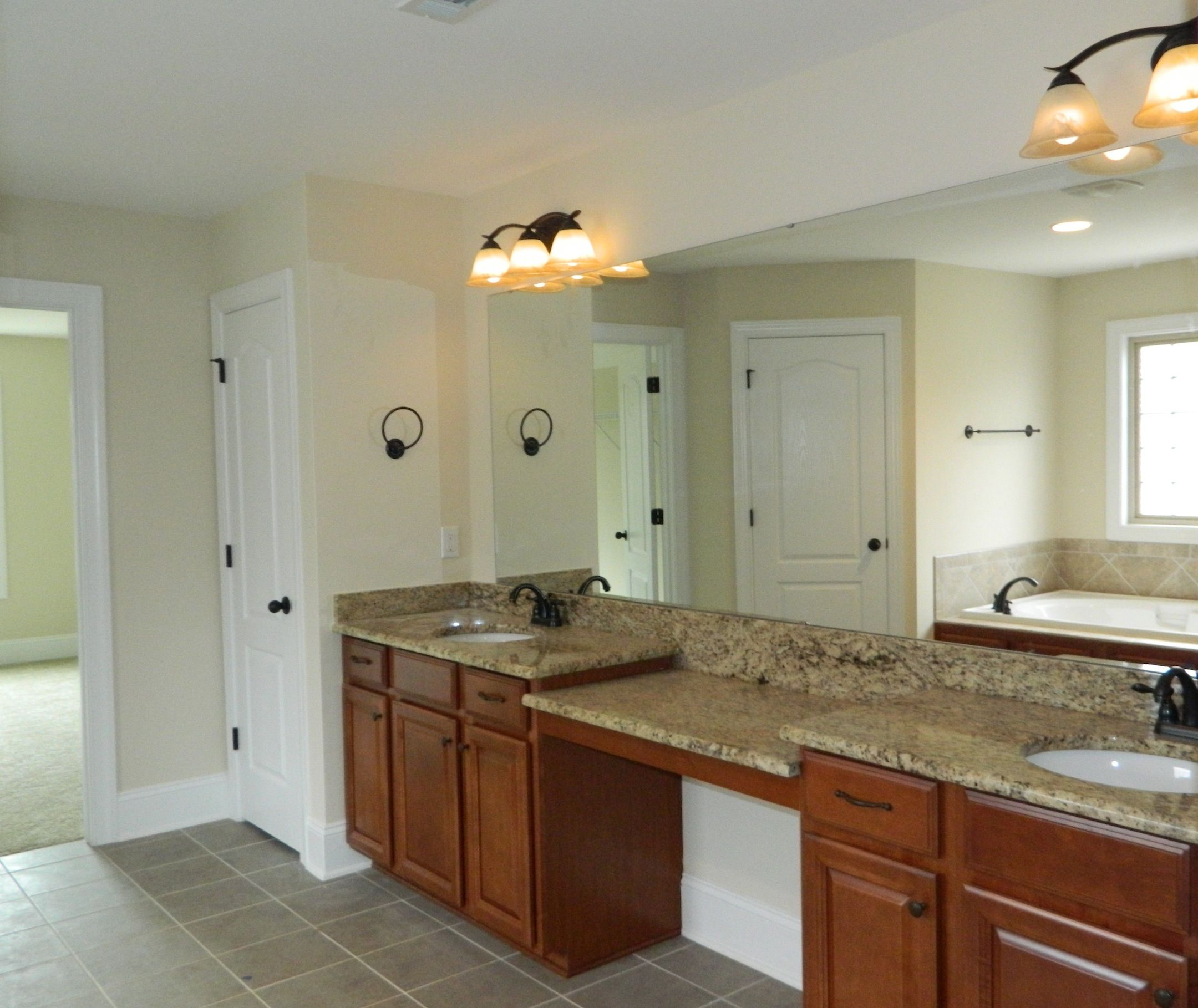 Kitchen Cabinets Scottsdale Az: Timberlake Scottsdale Maple Cognac. Giallo Ornamental