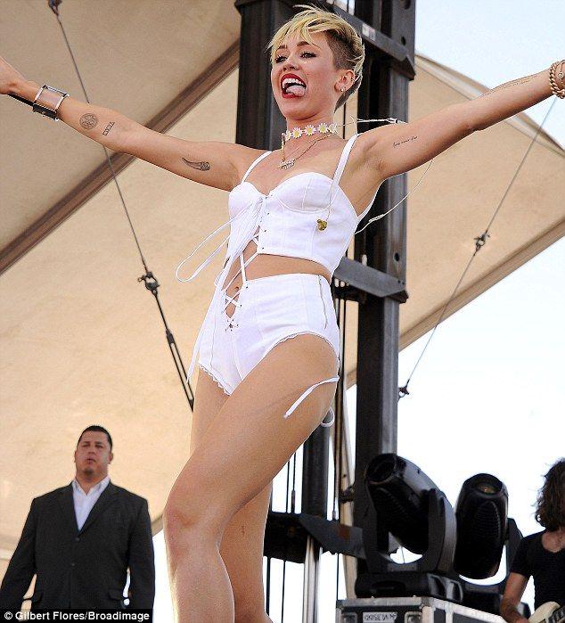 Miley cyrus nude sexting