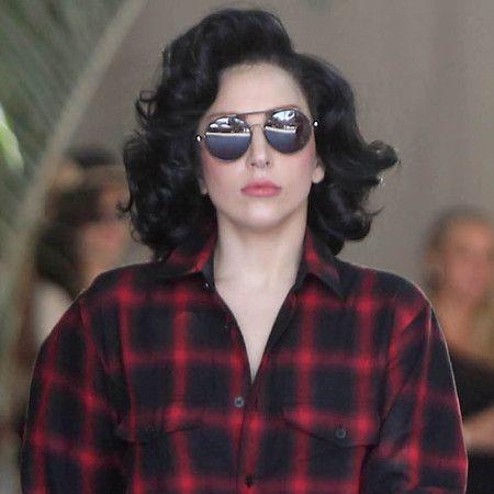 Lady Gaga New Short Curly Brown Hair Jpg 450 450 Lady Gaga Hair Lady Gaga News Celebrity Trends