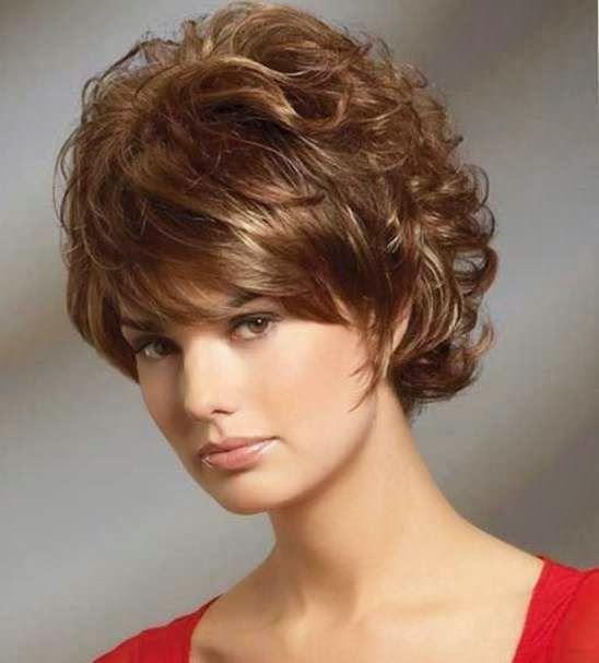 25 Cortes de pelo corto ondulado para mujer