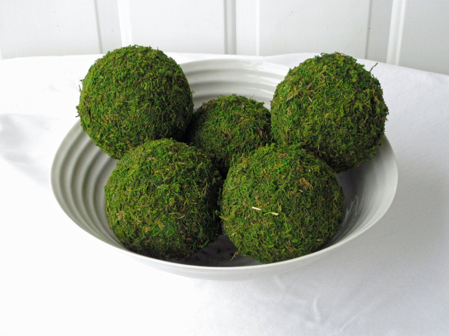 Decorative Moss Balls Beauteous 32 Best Pomanders Images On Pinterest  Wedding Bouquets Wedding Decorating Design