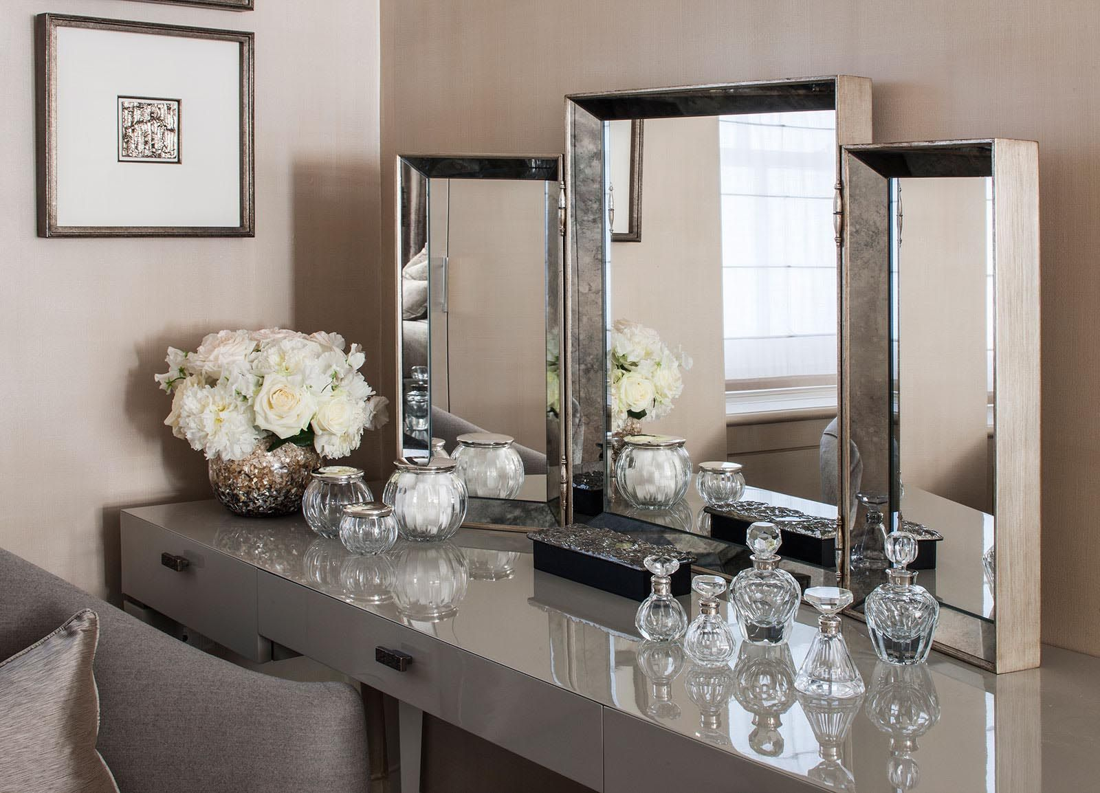 Bayswater Family Home - Dressing Table Interior Design
