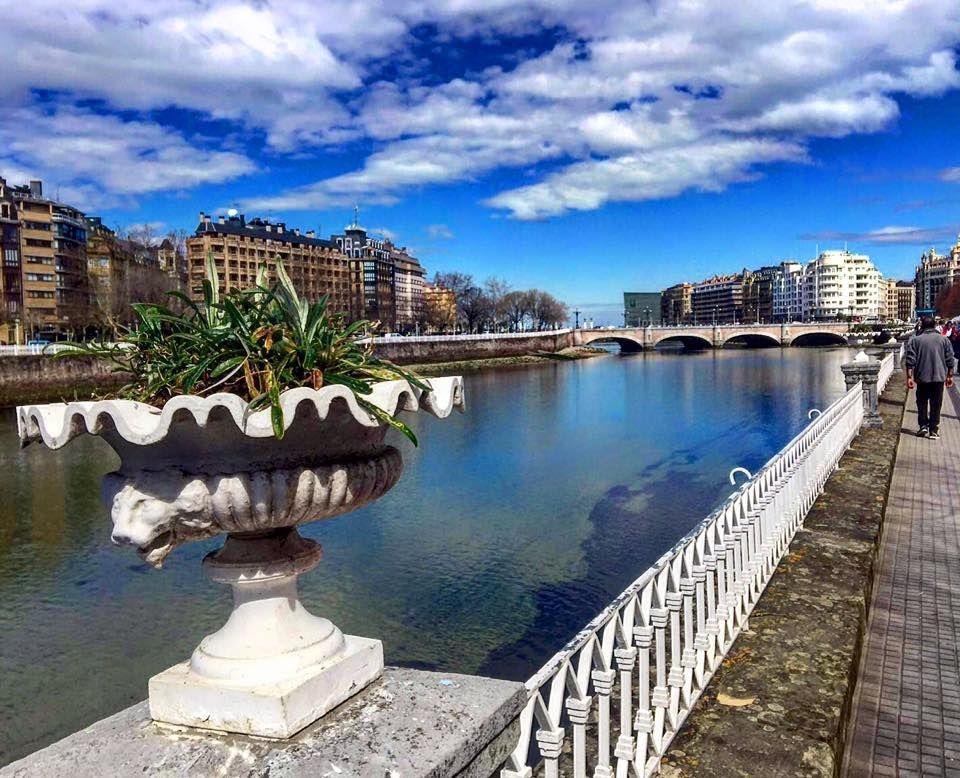 Río Urumea Paseo De Francia San Sebastián Guipuzkoa Www Pensiongrosen Com San Sebastian Donostia San Sebastian Pension