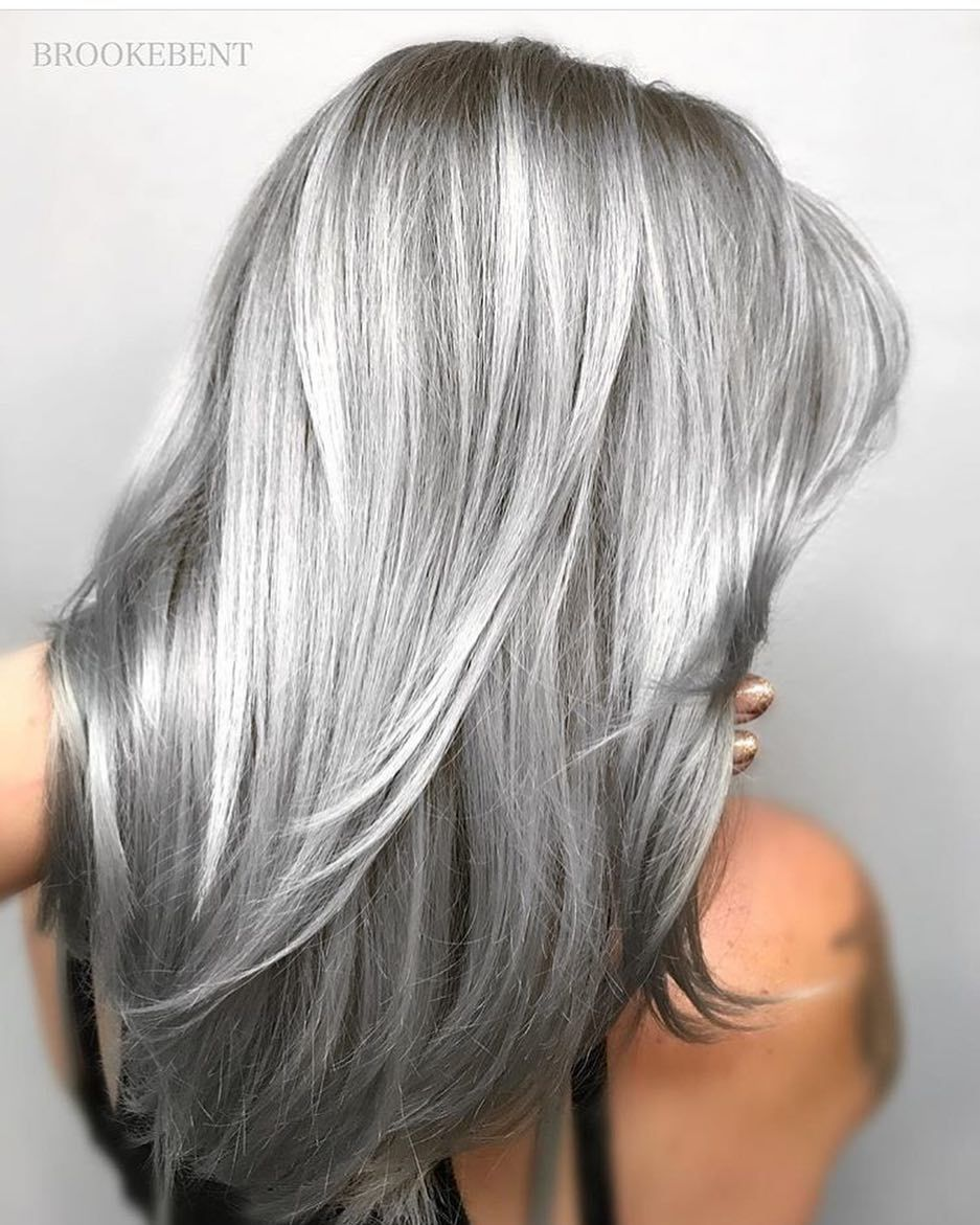 Super sexy silver gray hair hairdare silvercrown for Color gray or grey