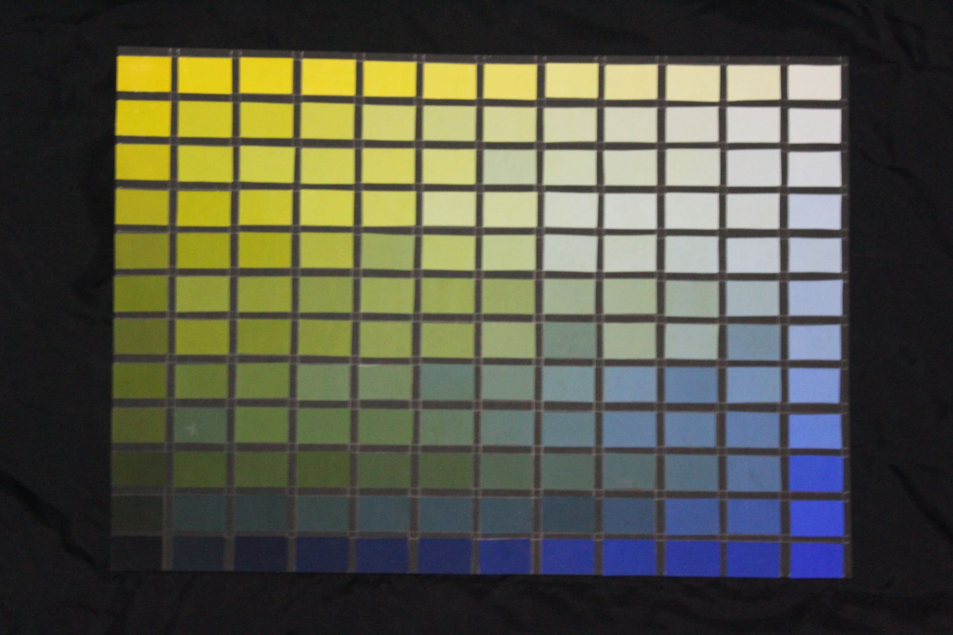 Gradasi Warna Biru Dan Kuning Cat Poster Arsitekturinterior Interiorarchitecture Color Warna Interior Arsitektur