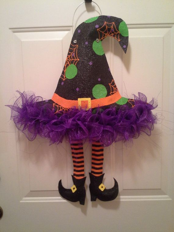 Suspensi n de puerta de arpillera brujas por for Decoracion para puertas halloween