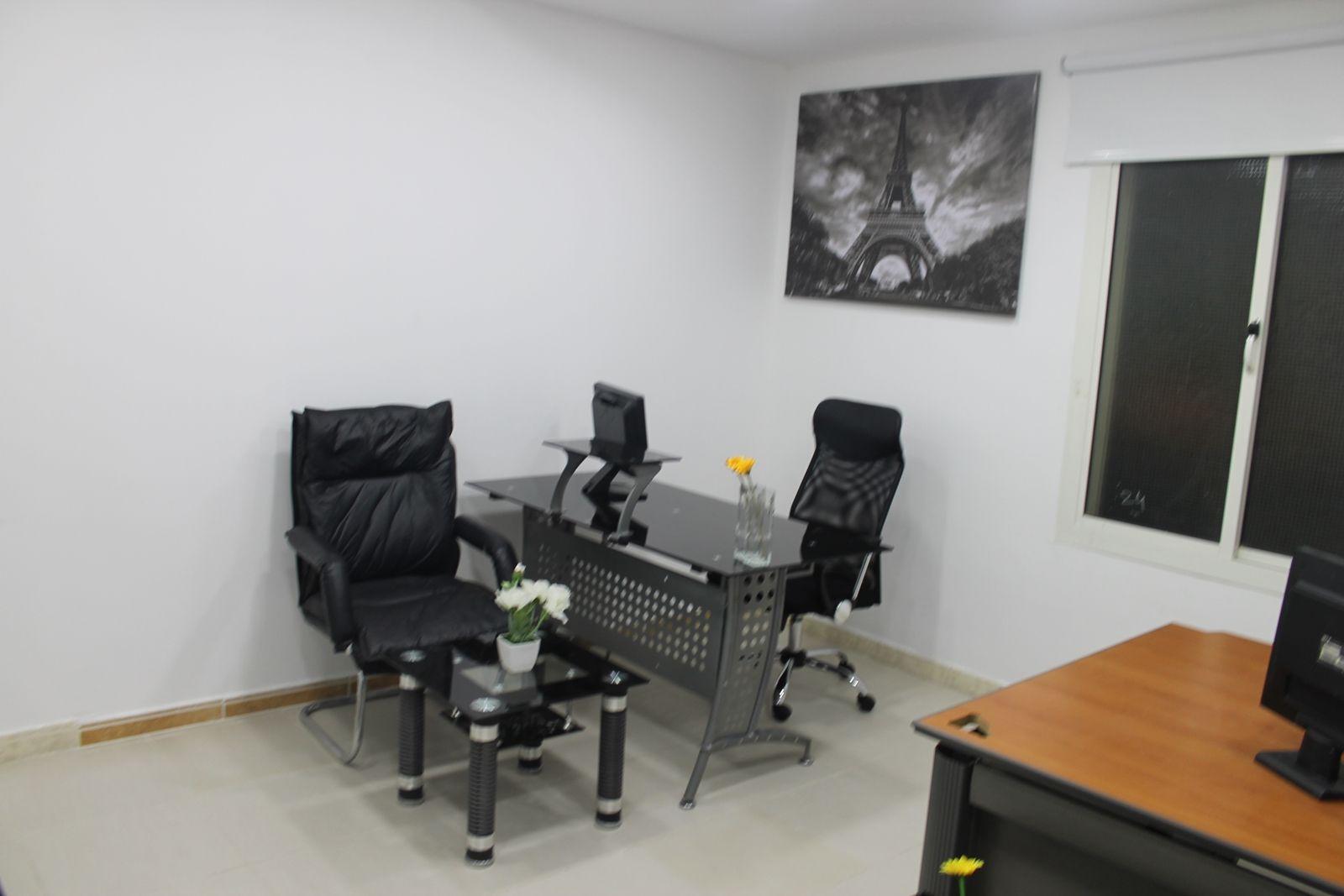 أنواع المكاتب المتوفرة مكاتب ادارية بمساحات كبيرة تناسب الاداريين للايجاراليومي والشهري والسنوي مكاتب ادارية بمساحات متوسطة للاستخدام الع Home Decor Home Decor