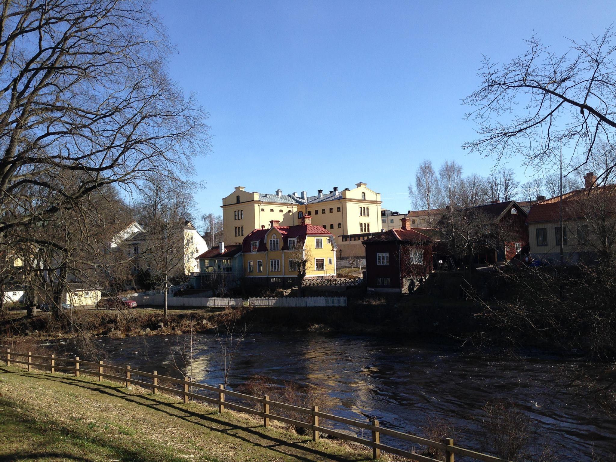 Sveriges Fängelsemuseum 2014. Gävle cellfängelse sett från andra sidan gavleån.