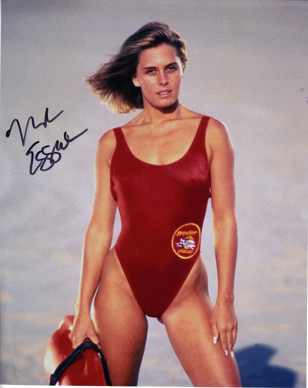 Nicole Eggert  nackt